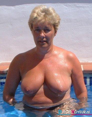 MILF Julie