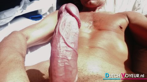 PIK BARE NAKED WITH DICK